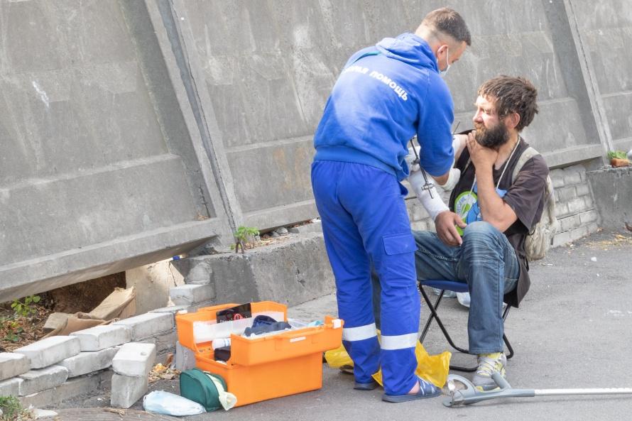 уличная медицина.jpg