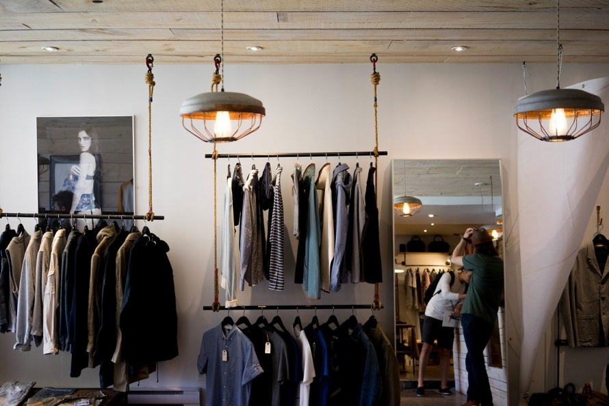 clothing-store-984396_1280.jpg