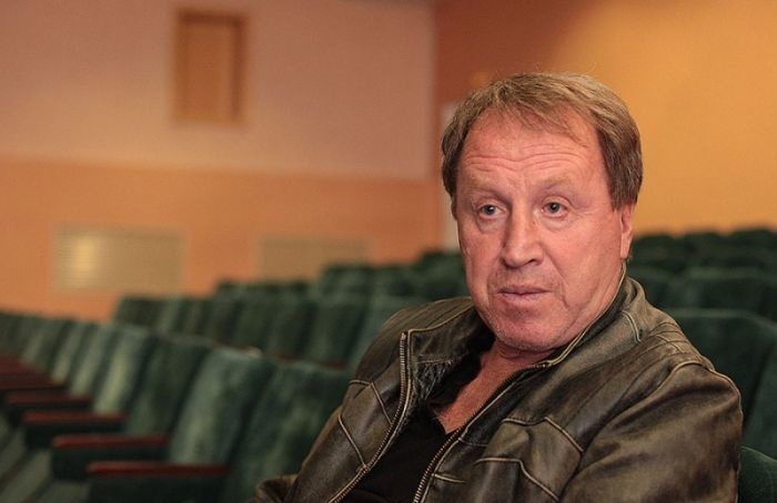 Народного артиста Владимира Стеклова госпитализировали сковидом