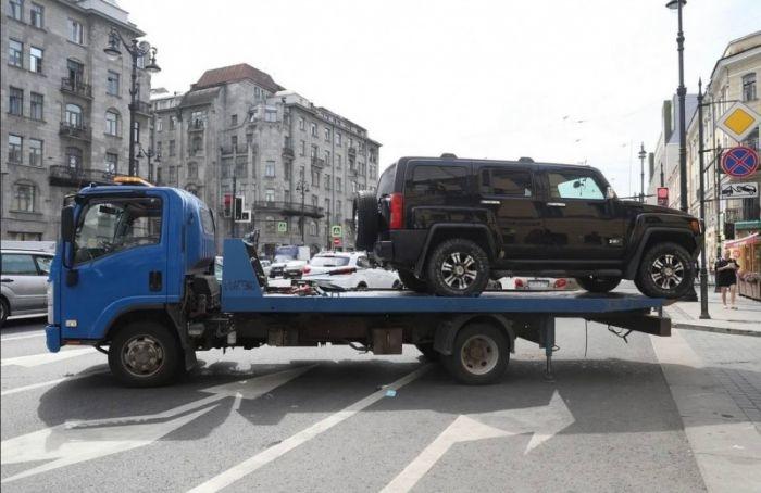 Свыше 2 тысяч нарушений парковки выявили вПетербурге за10 дней