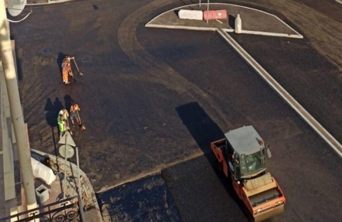 Петербуржцы жалуются наремонт Смольного проспекта