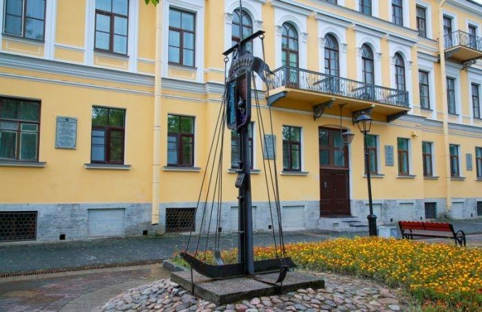 ВКронштадте вэтом году обновят Безымянный переулок