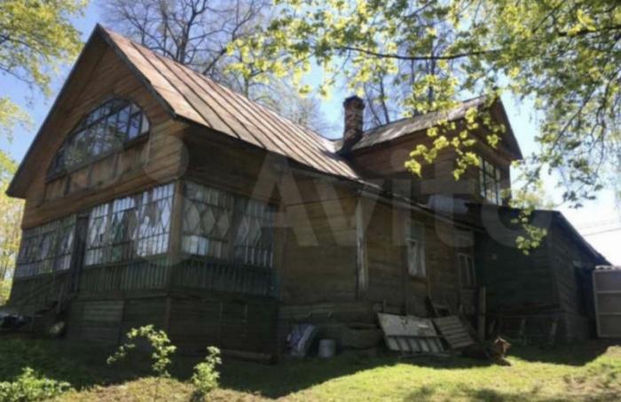 Дачу, построенную попроекту Воронихина, продают наAvito