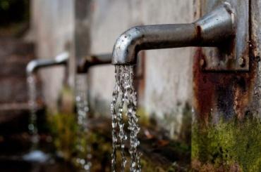 «Как пить дать»: «Ночлежка» продлила акцию посбору воды для бездомных
