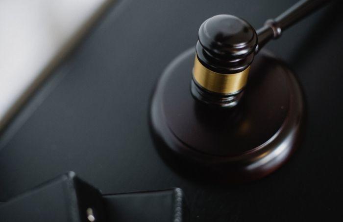 Леноблсуд заочно вынес приговор заказчику убийства ректора СПБГУСЭ в2012 году
