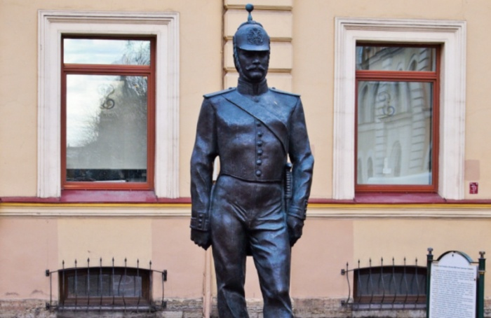 Скульптура городового переедет кзданию МВД