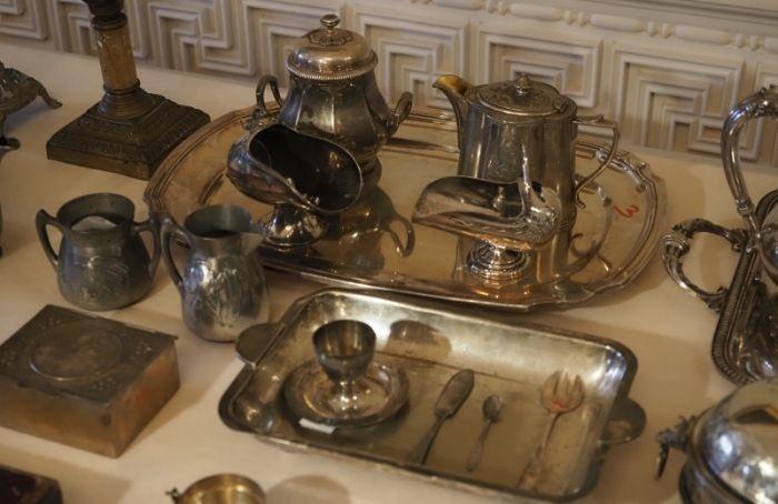 В Гатчинский дворец передали исторический конфискат