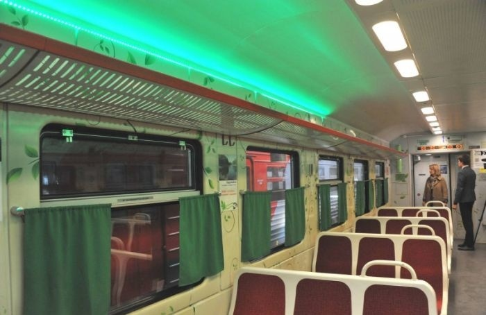 Зеленые электрички запустили вПетербурге иЛенобласти