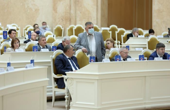 Петербургские депутаты хотят сменить члена горизбиркома замесяц довыборов