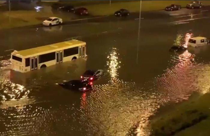 Ночью Петербург снова затопило