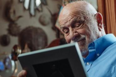 Петербургские долгожители смогут получить выплаты кюбилеям