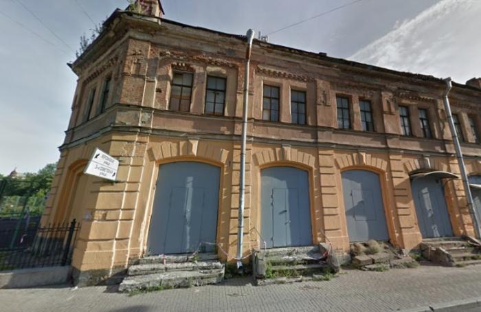 Власти Петербурга выставили наторги здание Мытного двора