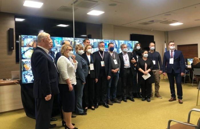 В «Невской ратуше» иностранным экспертам рассказали о«прозрачности выборов»