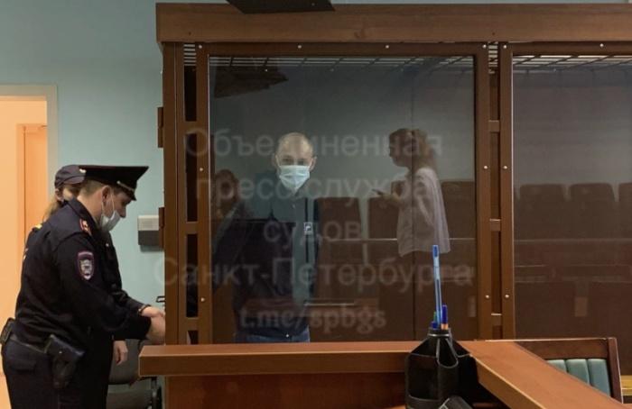 ВПетербурге огласили приговор членам группировки кровавого участкового Крохина