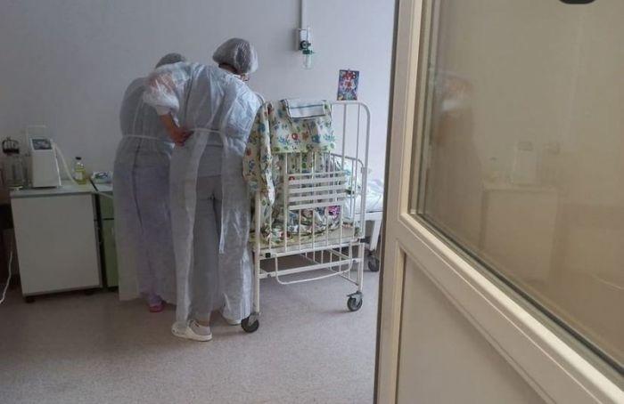 Впетербургской больнице заметили 15-летнюю сироту спролежнями