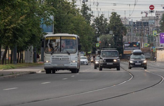 Частным автобусам вПетербурге отдали 347 городских маршрутов