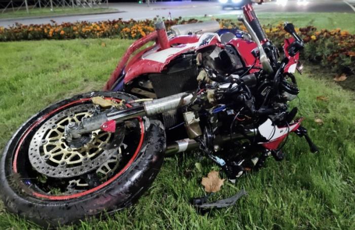 Мотоциклист ивелосипедист сильно пострадали ваварии
