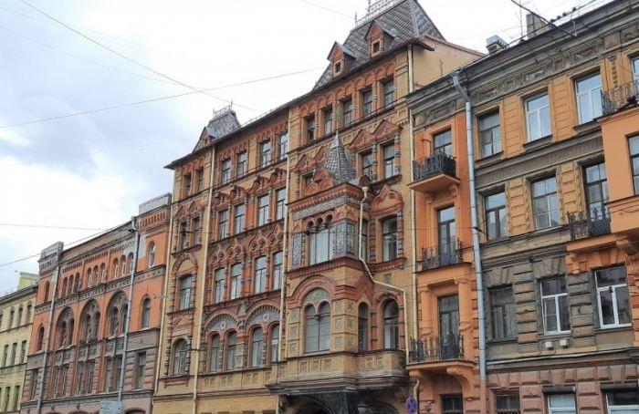 Петербуржцы жалуются насостояние «Пряничного дома»