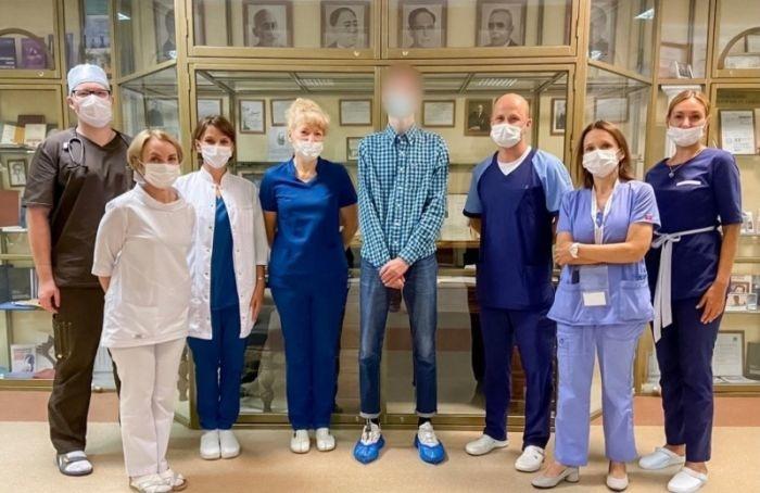 Петербургские врачи спасли заболевшего ковидом вовремя комы