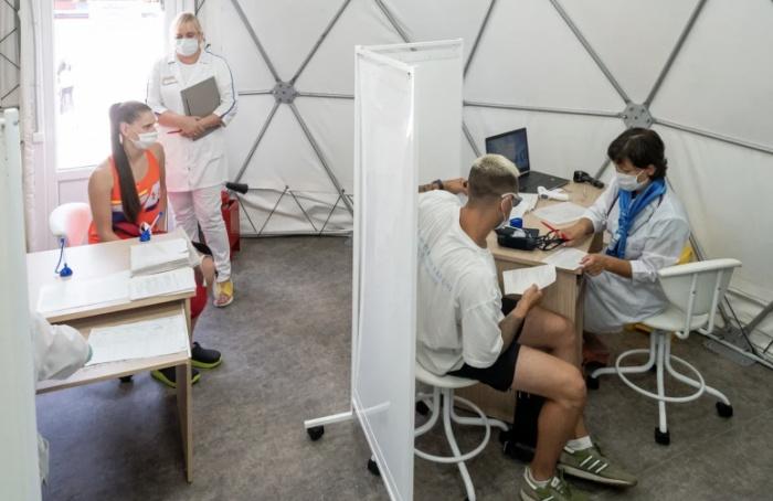 ВПетербурге выявили менее 900 случаев заболеваний коронавирусом