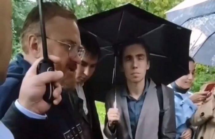 Депутат Госдумы Милонов икандидат вмундепыМО «Автово» обматерили друг друга