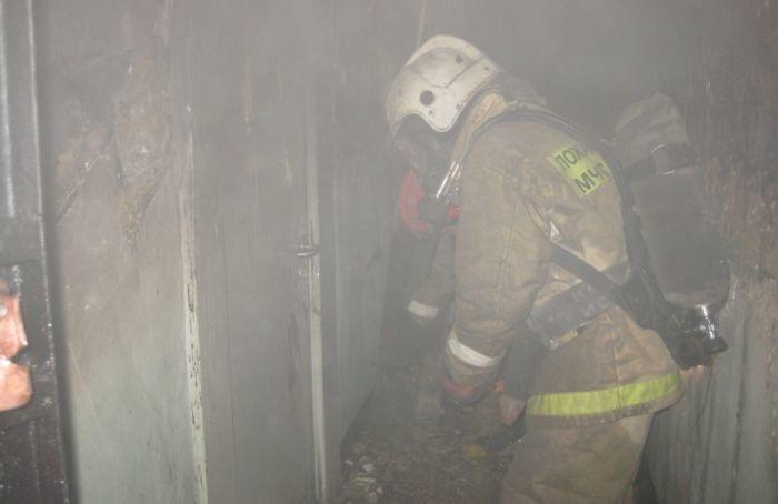 Четырех человек спасли изгорящей квартиры наМалой Балканской