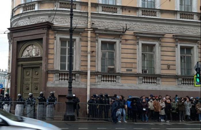 ВПетербурге прекратили дела пятерых участников акций протеста