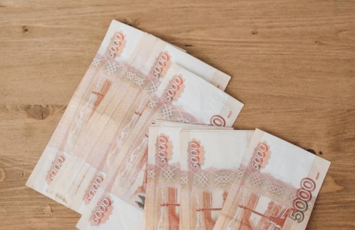 Педагоги Петербурга получили по10 тысяч рублей