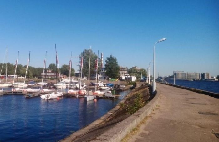 Яхтсмены просят губернатора незастраивать речной клуб отелями