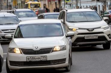 На71 улице вцентре Петербурга запретили остановку ипарковку
