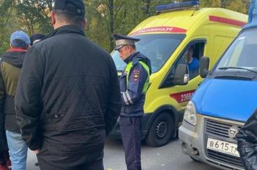 Подросток насамокате попал под машину вАльпийском переулке
