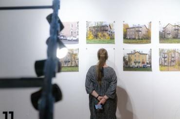 В «Маяке» открылась выставка современного искусства оюго-западе Петербурга