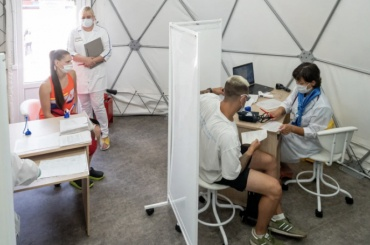 Засутки вПетербурге выявили максимальный савгуста прирост коронавирусных больных