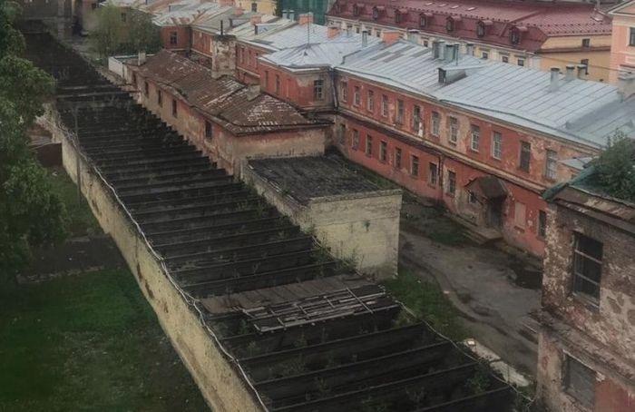 ВООПИиК пытается остановить снос флигеля Воронцовского дворца