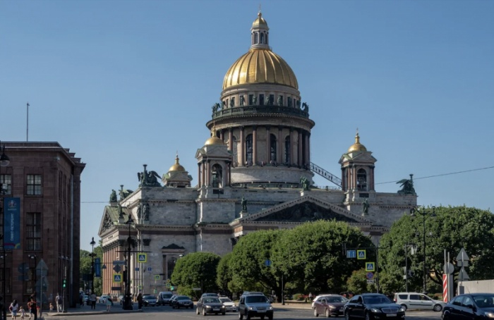 Петербург оказался награнице атмосферных вихрей
