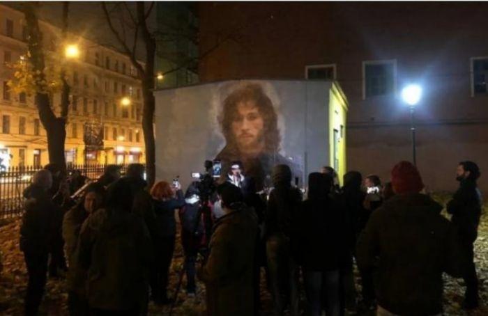 НаЛитейном проспекте появилось граффити сИгорем Тальковым