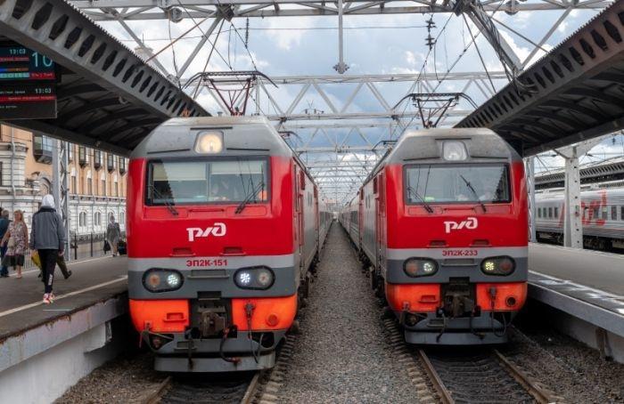Воктябре иноябре пустят дополнительные поезда Петербург— Москва