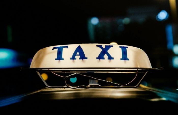 «Мужское государство» атаковало петербургский сервис такси «Таксовичкоф»