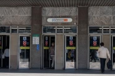 По2−3 станции метро вПетербурге будут ремонтировать ежегодно