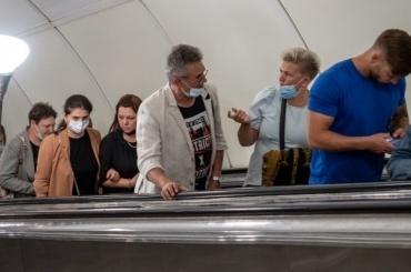 Петербуржцев начнут штрафовать заспущенные маски втранспорте