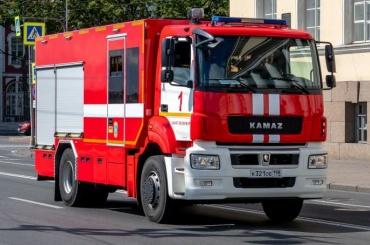 Взрыв газа спровоцировал пожар втрехкомнатной квартире наРябовском шоссе