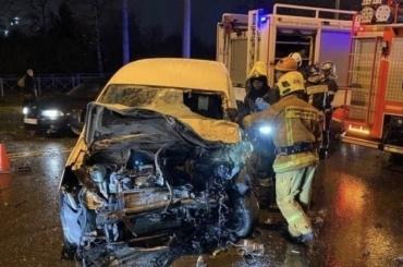 Водитель легковушки погиб после столкновения смаршруткой