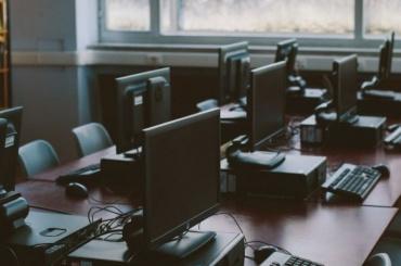 Прокуратура нашла нарушения взакупке компьютеров для одной изшкол