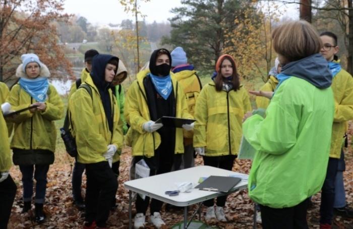 Волонтеры Пушкинского района провели эколого-биологическое исследование нареке Славянке